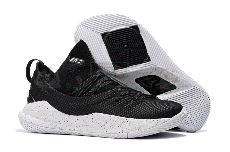Acheter Maintenant Pas Cher Homme - Under Armour Curry 5 Low Noir Blanc